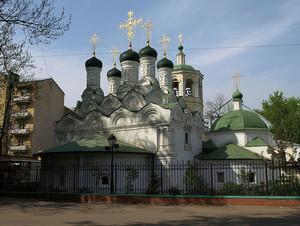 Храм Богородицы в Путинках