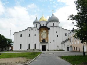 В первой половине XII века София из княжеского храма превратилась в главный храм